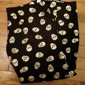 Gold skull capris leggings XL